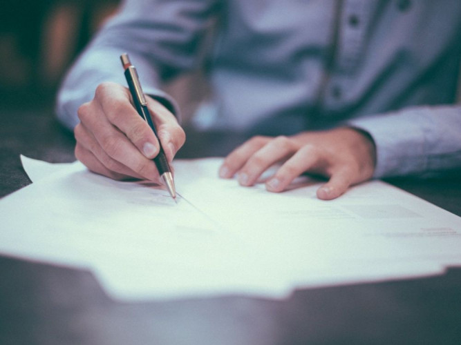 Immobilier: Comment fonctionnent les frais de notaire?
