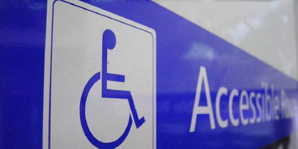 Accessibilité aux handicapés: le projet de loi ce lundi au Sénat