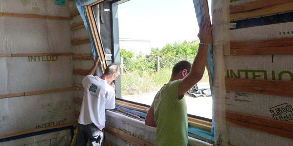 Une étude au préalable est nécessaire pour la pose de fenêtre.