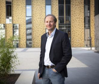 « L'acheteur bénéficie des services d'un Chasseur Immo dédié qui effectuera toutes les démarches » Frédéric Bourelly